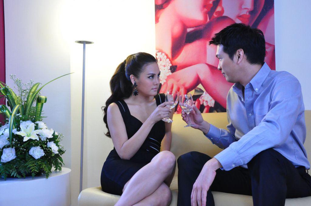 Trai đẹp Phupoom Phongpanu trở lại trong phim 'Cái bóng' (3)