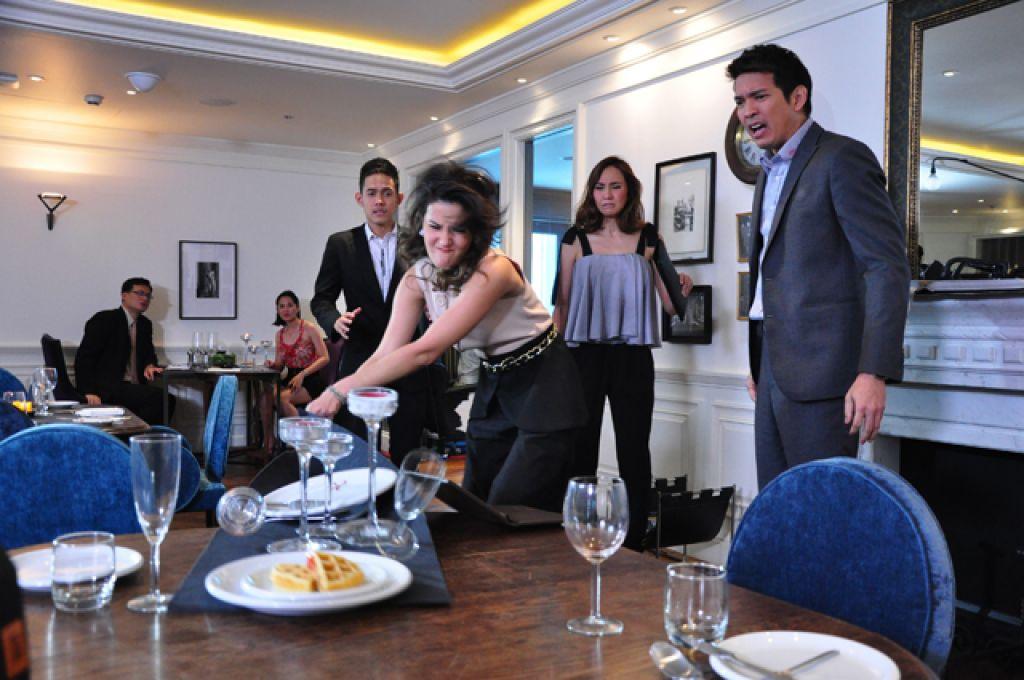 Trai đẹp Phupoom Phongpanu trở lại trong phim 'Cái bóng' (4)
