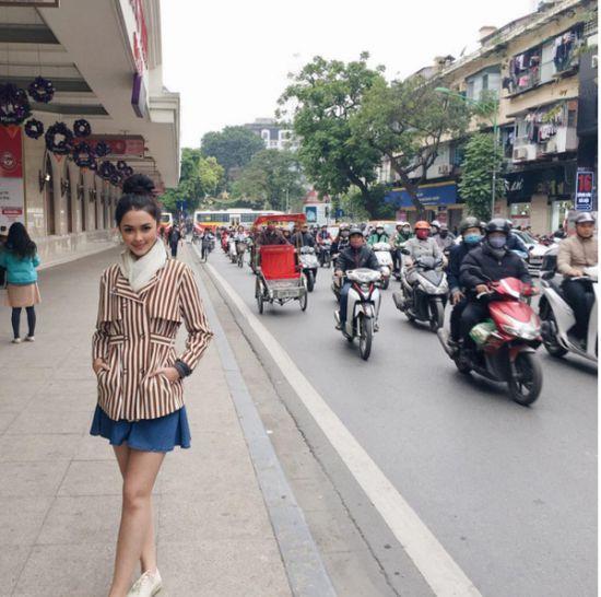 Ngắm gu thời trang sành điệu của loạt mỹ nhân Thái (45)