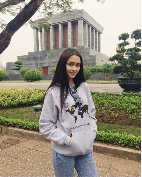Ngắm gu thời trang sành điệu của loạt mỹ nhân Thái (46)