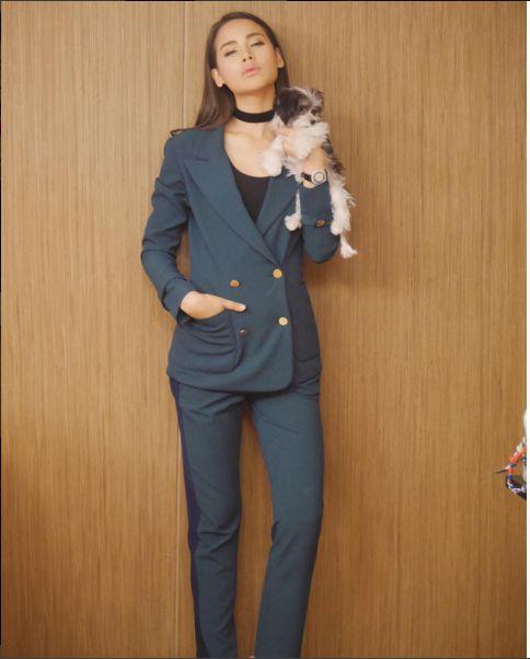 Ngắm gu thời trang sành điệu của loạt mỹ nhân Thái (22)