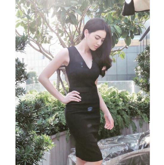 Ngắm gu thời trang sành điệu của loạt mỹ nhân Thái (4)