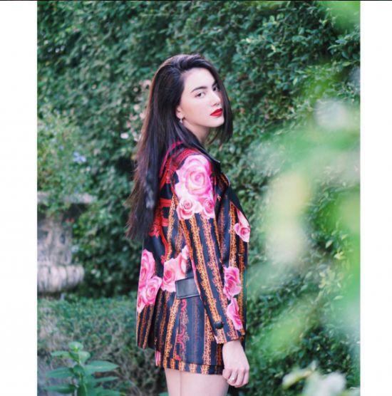 Ngắm gu thời trang sành điệu của loạt mỹ nhân Thái (6)