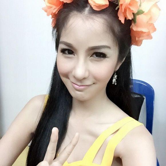 Ngắm vẻ đẹp hút hồn của những mỹ nhân chuyển giới Thái Lan (12)