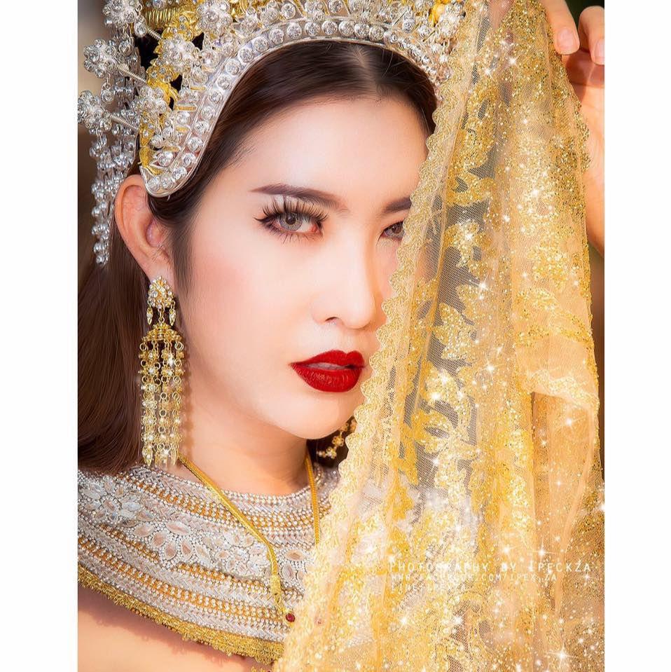 Ngắm vẻ đẹp hút hồn của những mỹ nhân chuyển giới Thái Lan (5)