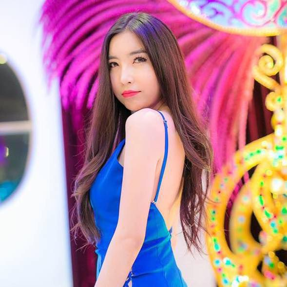 Ngắm vẻ đẹp hút hồn của những mỹ nhân chuyển giới Thái Lan (16)