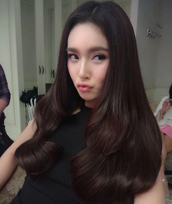 Ngắm vẻ đẹp hút hồn của những mỹ nhân chuyển giới Thái Lan (19)