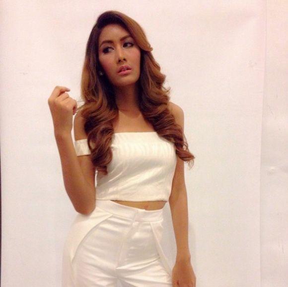 Ngắm vẻ đẹp hút hồn của những mỹ nhân chuyển giới Thái Lan (7)