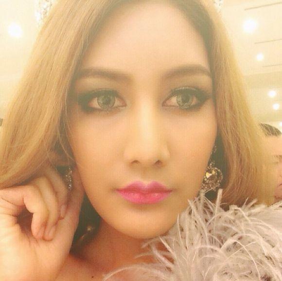 Ngắm vẻ đẹp hút hồn của những mỹ nhân chuyển giới Thái Lan (8)