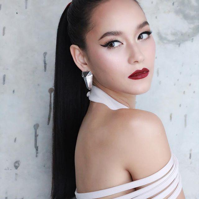 Soi mặt mộc của mỹ nhân Thái: Không son phấn vẫn xinh lung linh (13)