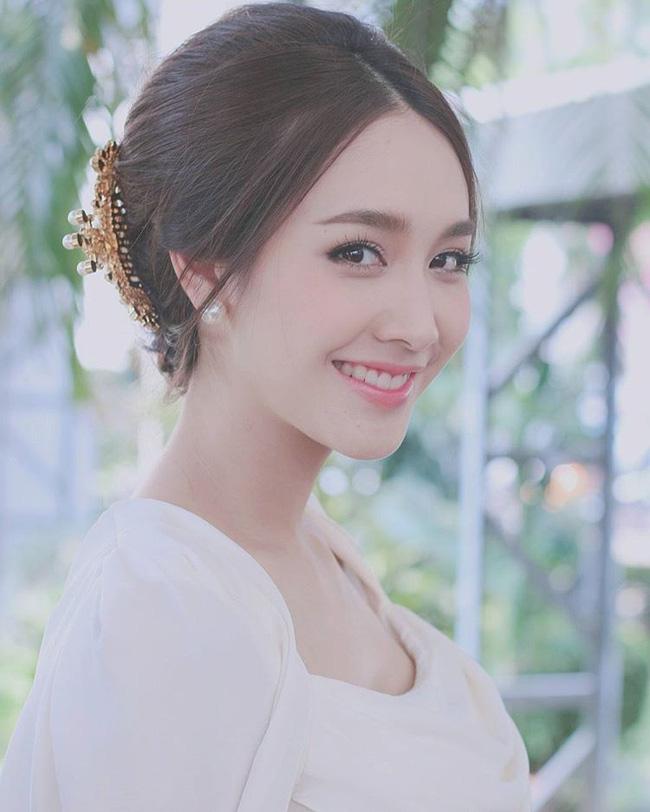 Soi mặt mộc của mỹ nhân Thái: Không son phấn vẫn xinh lung linh (19)
