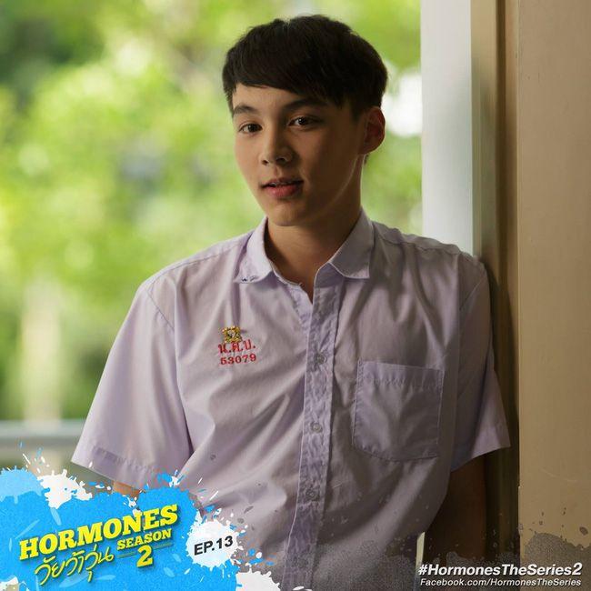 """Tìm hiểu về dàn trai xinh gái đẹp của """"Hoàng Cung"""" phiên bản Thái (25)"""