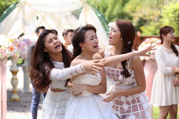 """Cười ngả nghiêng với cô nàng gián điệp săn gay trong """"Sai Lab Jab Abb"""" (6)"""