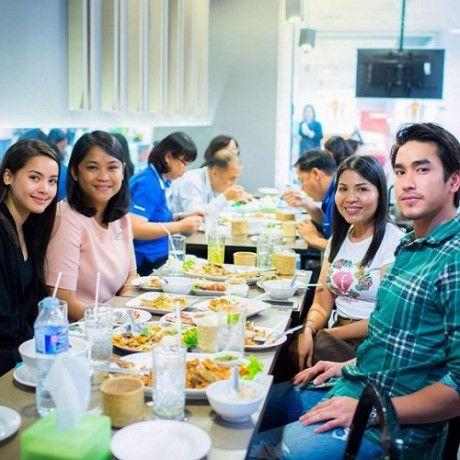 Ghen tị với tình yêu ngọt ngào của các mỹ nam Thái với bạn gái (9)