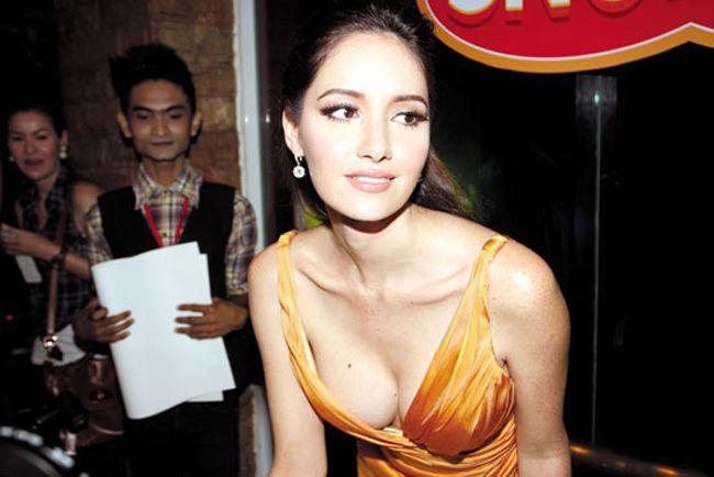 Nghẹt thở ngắm thân hình nóng bỏng của người đẹp Sara Malakul (15)