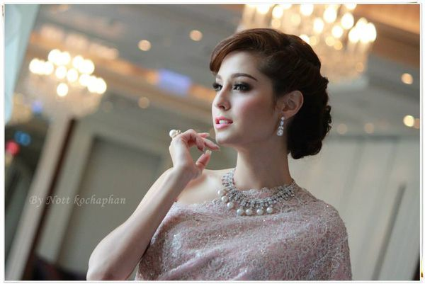 """Top 5 mỹ nhân Thái được chọn làm hình mẫu """"trùng tu sắc đẹp"""" (16)"""