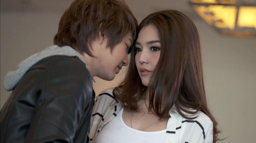 Yêu phải chàng điệp viên: Phim hài Thái Lan hay nhất 2016 (2)