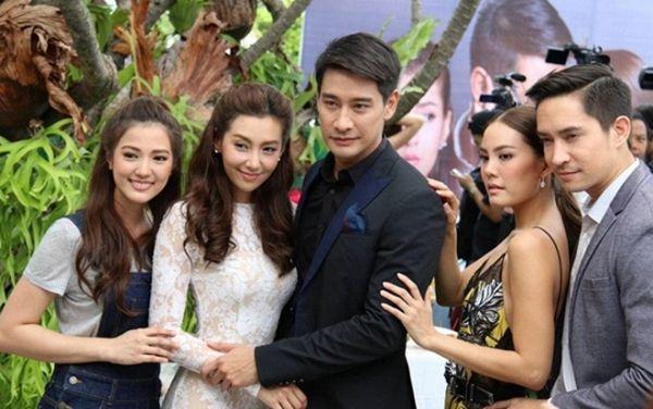 """Hóng James Ma & Mint Chalida tái hợp, Pong Nawat """"crush"""" Janie Tianposuwan (8)"""