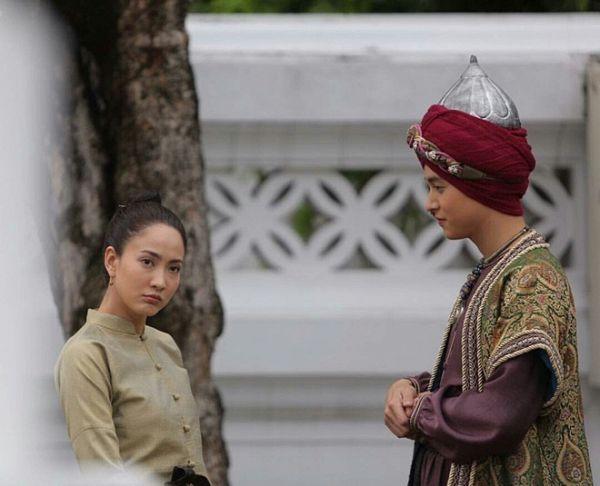 Taew Natapohn sánh đôi cùng James Ji trong phim cổ trang Neung Dao Fah Diew (11)