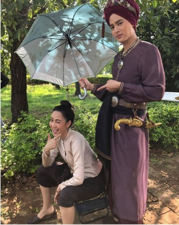 Taew Natapohn sánh đôi cùng James Ji trong phim cổ trang Neung Dao Fah Diew (14)