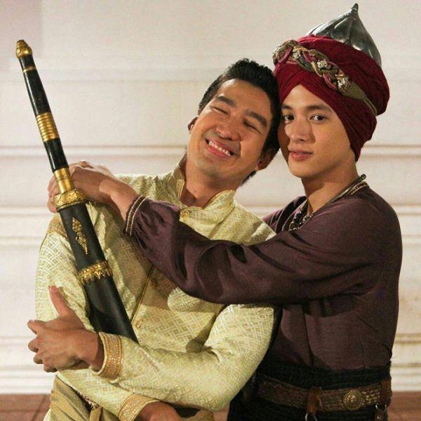 Taew Natapohn sánh đôi cùng James Ji trong phim cổ trang Neung Dao Fah Diew (5)