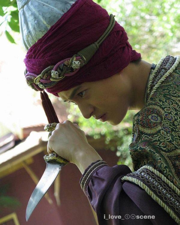 Taew Natapohn sánh đôi cùng James Ji trong phim cổ trang Neung Dao Fah Diew (6)