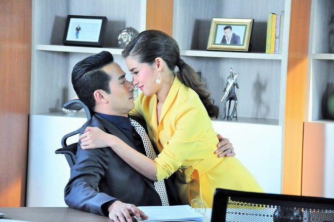 Thay tim đổi phận: Phim tình cảm kì bí gây bão màn ảnh Thái (2)
