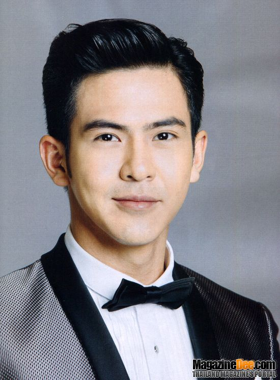 Tiểu sử của nam diễn viên điển trai Toey Pongsakorn (5)