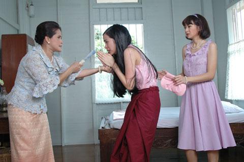 """Số phận nghiệt ngã của Peung Kunya trong """"Yêu giùm cô chủ"""" (2)"""