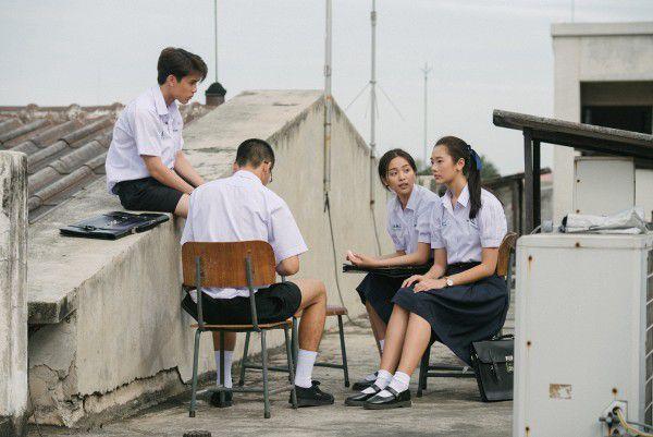 """Giới trẻ Việt háo hức với """"Bad Genius"""" khi """"gian lận là nghệ thuật"""" (11)"""
