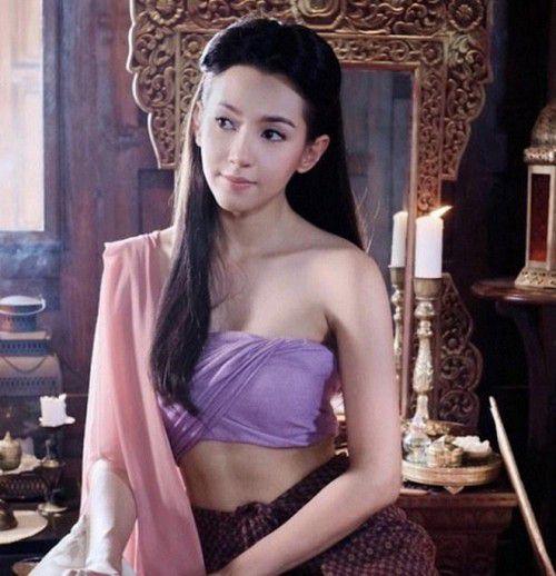 Pee Kaew Nang Hong: Diễn viên ổn nhưng kịch bản quá nhàm chán (8)