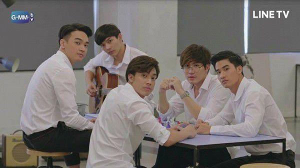 Secret Seven Series: Fan girl rạo rực với gái cô đơn và bảy trai đẹp (5)