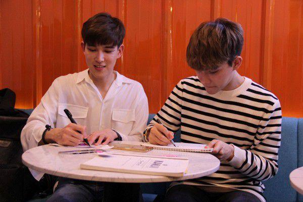 Both và Newyear siêu dễ thương ở buổi fanmeeting tuần qua tại Việt Nam (4)