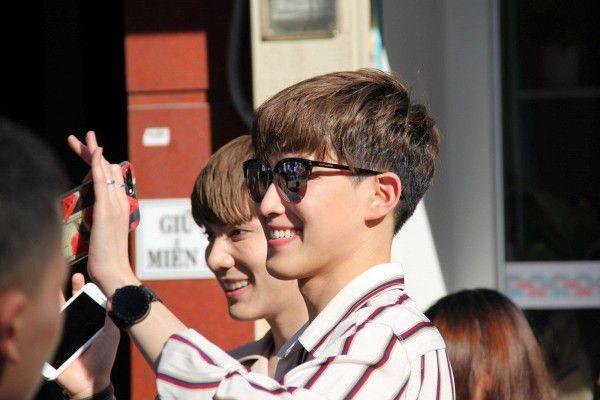 Both và Newyear siêu dễ thương ở buổi fanmeeting tuần qua tại Việt Nam (5)
