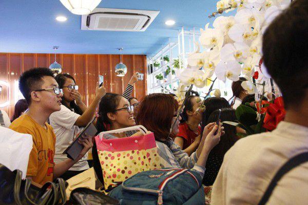 Both và Newyear siêu dễ thương ở buổi fanmeeting tuần qua tại Việt Nam (8)