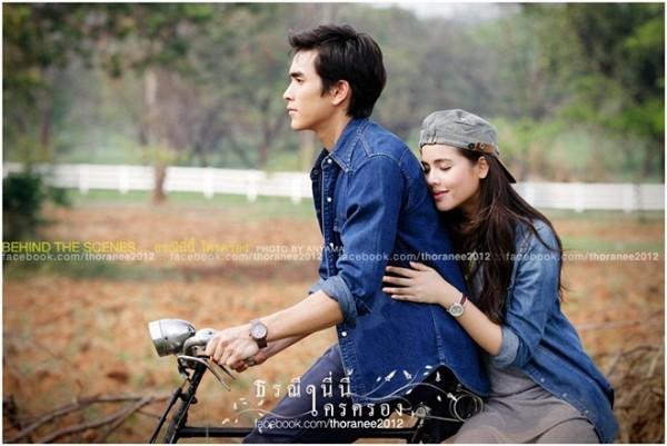 """Chặng đường tình yêu 7 năm của """"cặp đôi vàng"""" Thái Lan Nadech - Yaya (17)"""