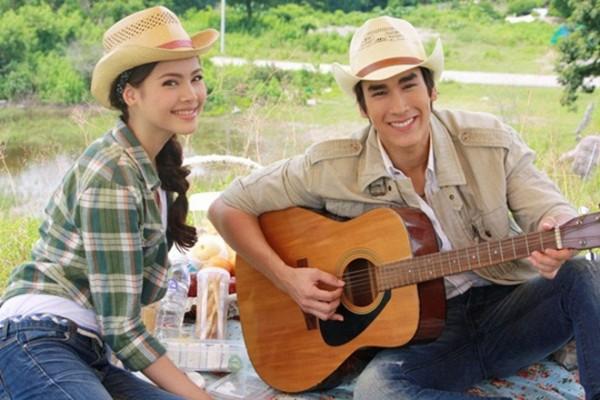 """Chặng đường tình yêu 7 năm của """"cặp đôi vàng"""" Thái Lan Nadech - Yaya (4)"""