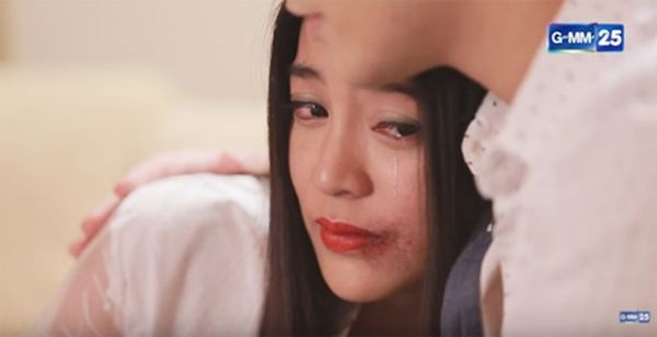 Cướp bồ bạn thân, đây 3 cô gái bị ghét nhất màn ảnh Thái (1)