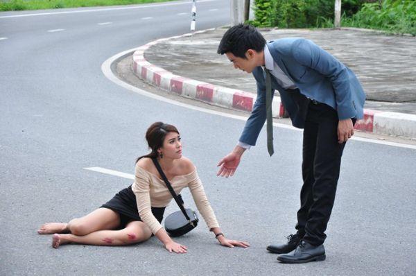 Cướp bồ bạn thân, đây 3 cô gái bị ghét nhất màn ảnh Thái (10)
