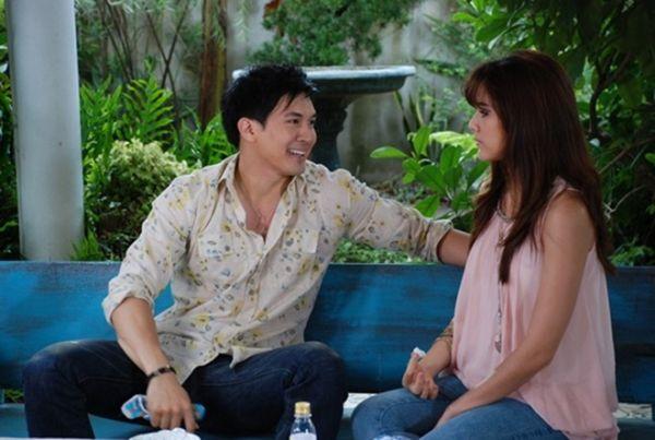 Những chuyện tình hợp đồng giả hóa thật trong phim Thái (19)