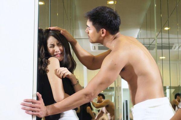 Những chuyện tình hợp đồng giả hóa thật trong phim Thái (4)