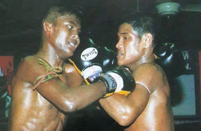 """Những điều chưa biết về võ sĩ Muay Thái nổi tiếng """"Buakaw Banchamek"""" (4)"""
