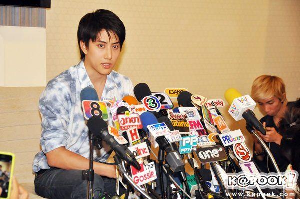 """Scandal chua - ngọt: """"Đặc sản"""" của showbiz xứ Chùa Vàng (5)"""