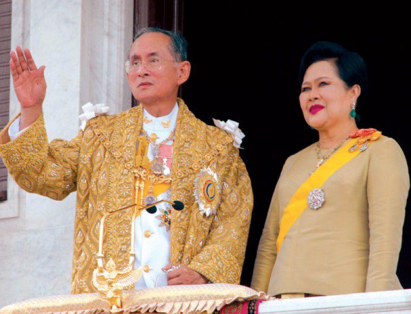 Chuyện tình ngọt ngào của Quốc vương Bhumibol khiến cả thế giới ngưỡng mộ (4)