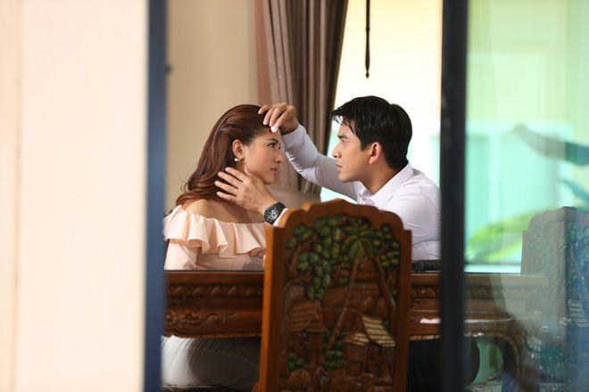 """""""Đuổi bắt tình yêu"""" bản Thái lên sóng màn ảnh Việt tháng 11 (2)"""