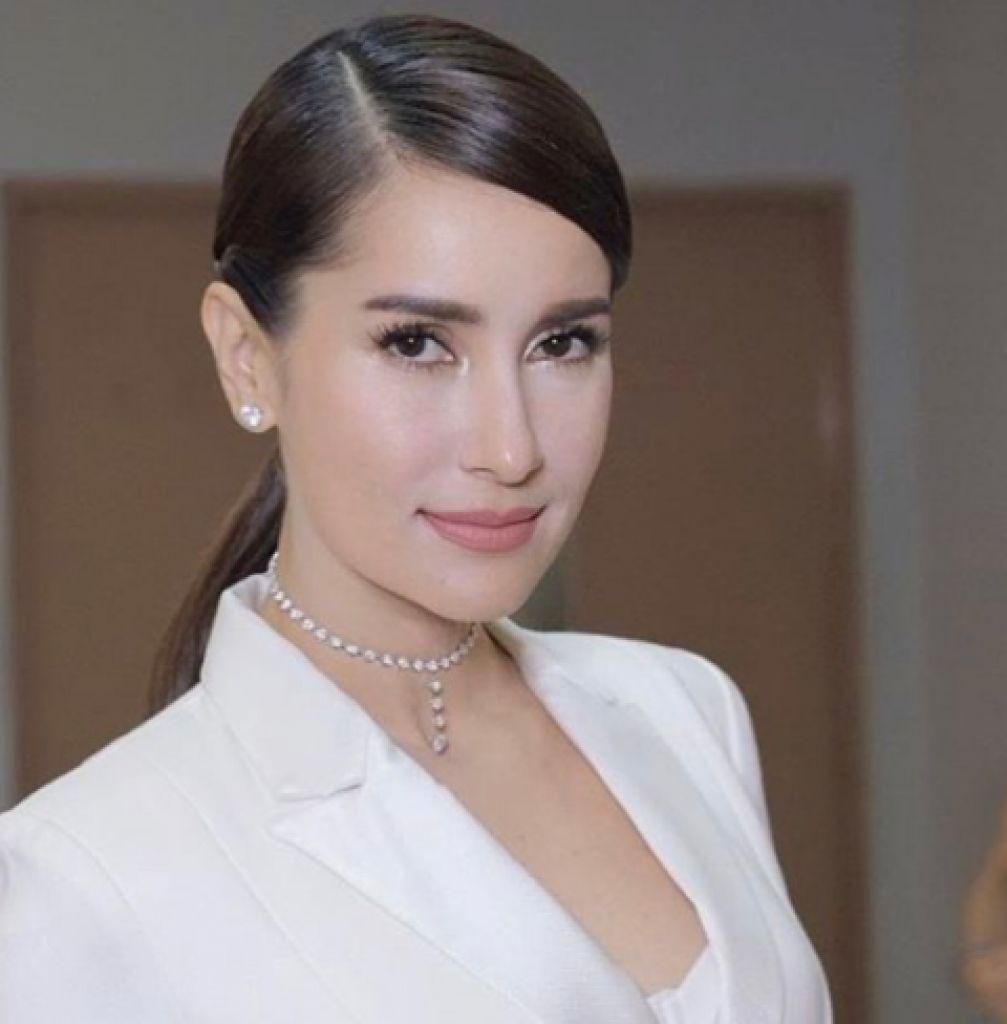 Ghen tị với độ trẻ trung ở tuổi tứ tuần của diễn viên Anne Thongprasom (1)