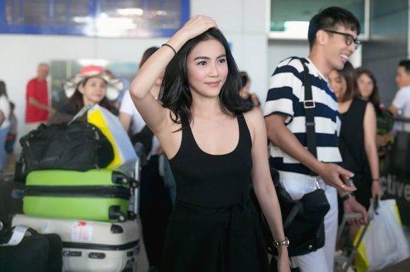 """""""Katun"""" Wanida Termthanaporn xinh đẹp rạng rỡ tại sân bay Tân Sơn Nhất (3)"""