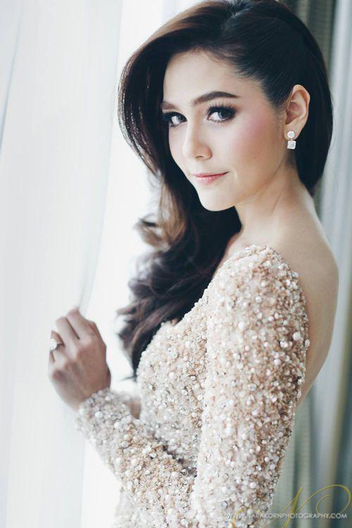 Những ngôi sao mang vẻ đẹp lai đặc biệt thu hút của Thái Lan (1)