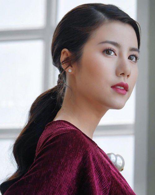 """Bie Sukrit và Esther Supreeleela tiếp tục sánh đôi trong dự án """"Phrom Mai Dai Likhit"""" (5)"""
