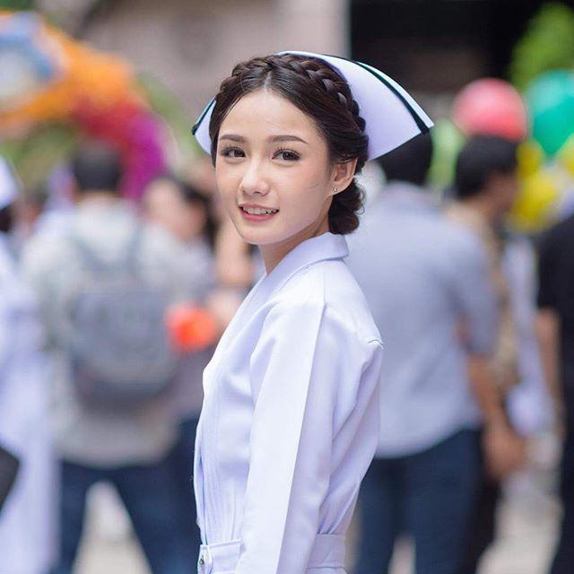 Namkhing Kanyapak: Nữ y tá xinh đẹp nhất Thái Lan gây sốt mạng xã hội (1)